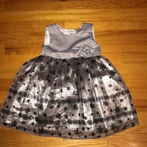 ✨Adorable Holiday Dress Size 3T!✨